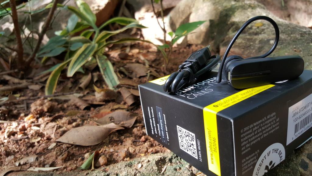 Jabra BT2036 Bluetooth headset at restaurant between Mysore and Bangalore
