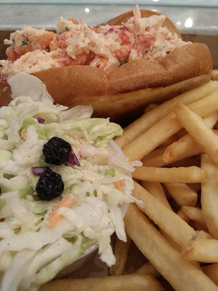 Old Port Lobster Shack in Westfield Mall Santa Clara Maine Lobster Roll
