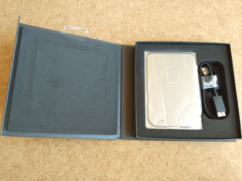 Seagate Sevenmm Drive Unboxing-1