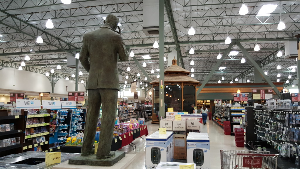 Fry's Electronics Fremont California Inside-1