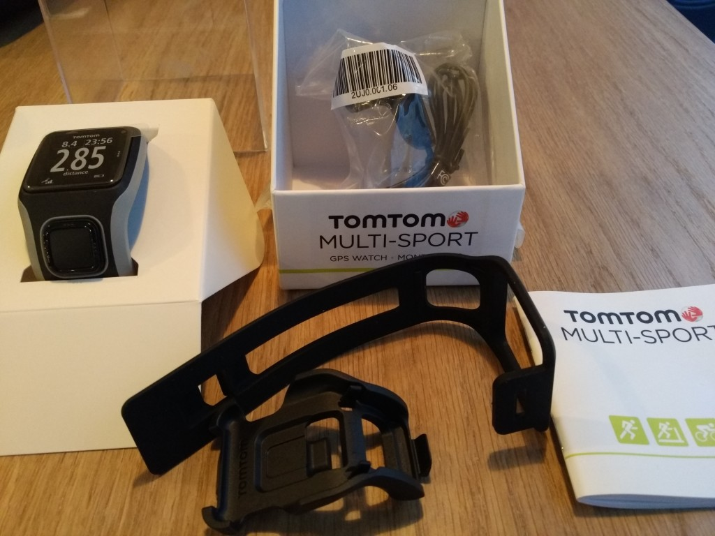 TomTom Sports Watch Unboxing in Prague-8