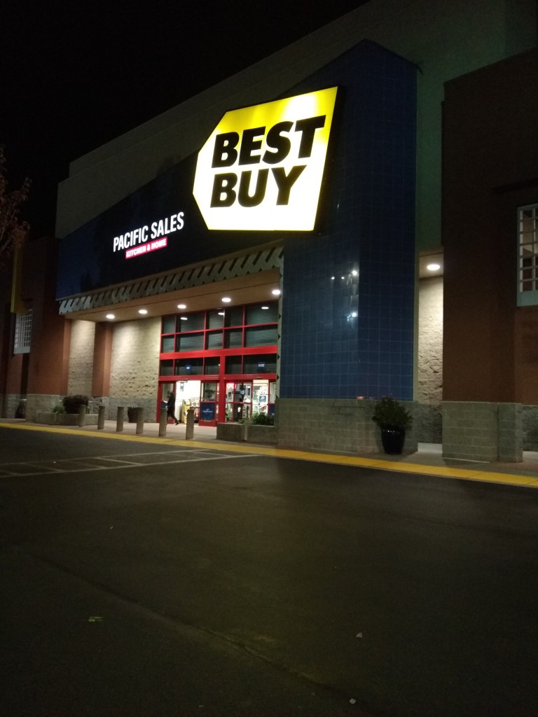 Buying Garmin at Best Buy Dublin California-1