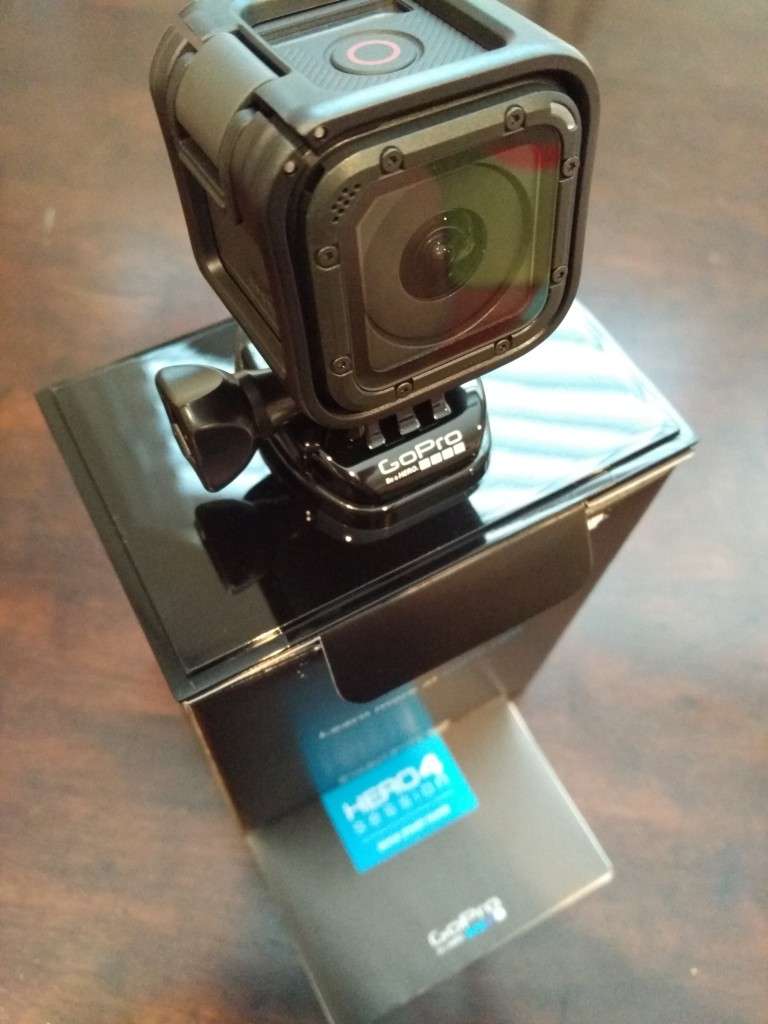 GoPro 4 Session Unboxing-26