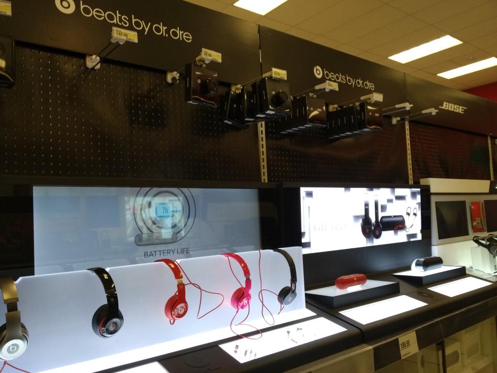 Target Electronics Shopping Christmas Eve Dublin California-11