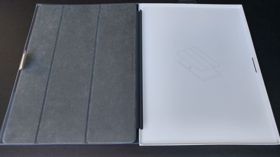 69eb88700d73 The iPad Pro Smart Cover snaps into the Apple iPad Pro using the magnetic  Smart Connector. When flat the Smart Cover protects the display on the iPad  Pro.