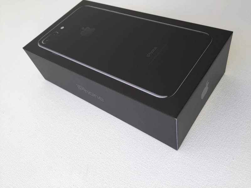 apple iphone 7 plus black. we purchased the iphone 7 plus (jet black with 128 gb) through at\u0026t which came in typical high end apple styled packaging. iphone